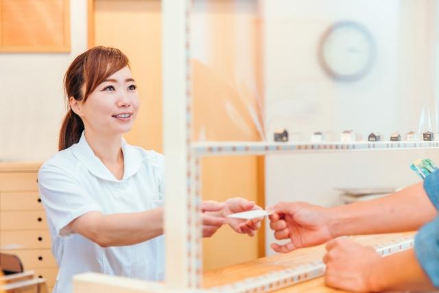 ワクチン集団接種会場での受付・誘導案内<6~7月の土日限定!>