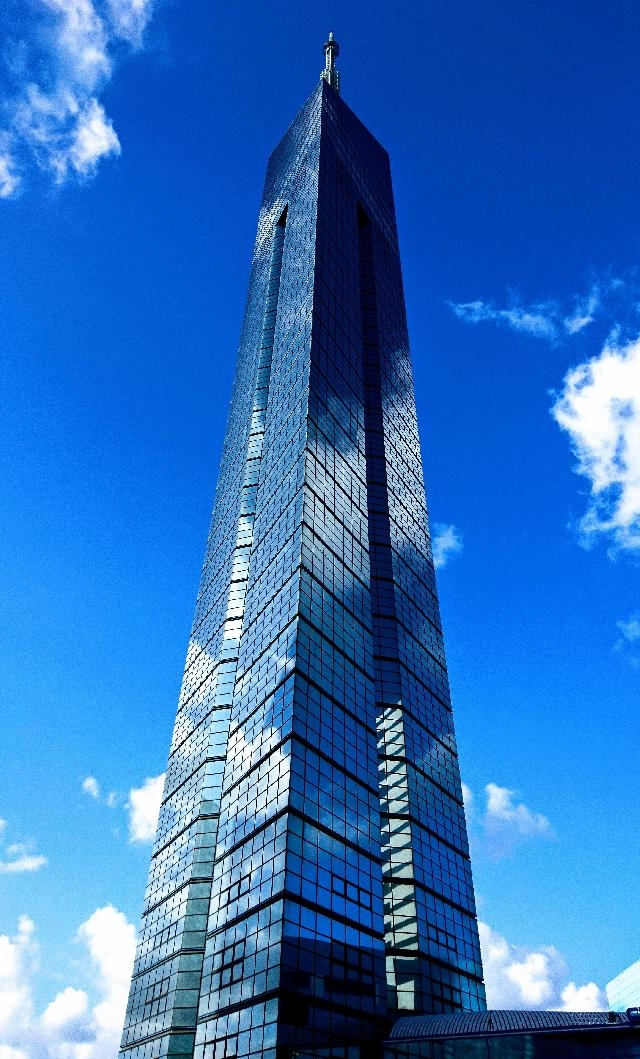 【福岡市・早良区】福岡のランドマーク『福岡タワー』での案内・誘導のお仕事です。